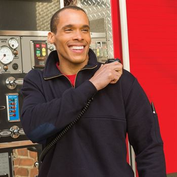 Game ™ The Responder Quarter Zip