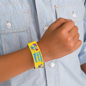 Field Day: A Good Sport Is Always A Winner 2-Sided Gold Paper Bracelets